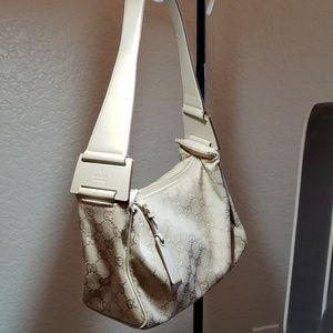 Gucci Italy purse beige perfect condition